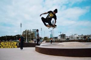 Tuck knee de Lucas Amador en BCN