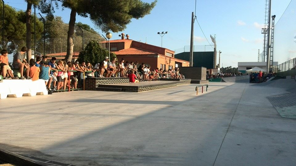 Ambientazo y muchos espectadores dispuestos a ver skate del bueno