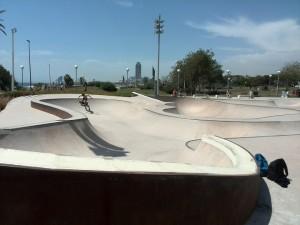 Fotos de los bowls de La Mar Bella skatepark